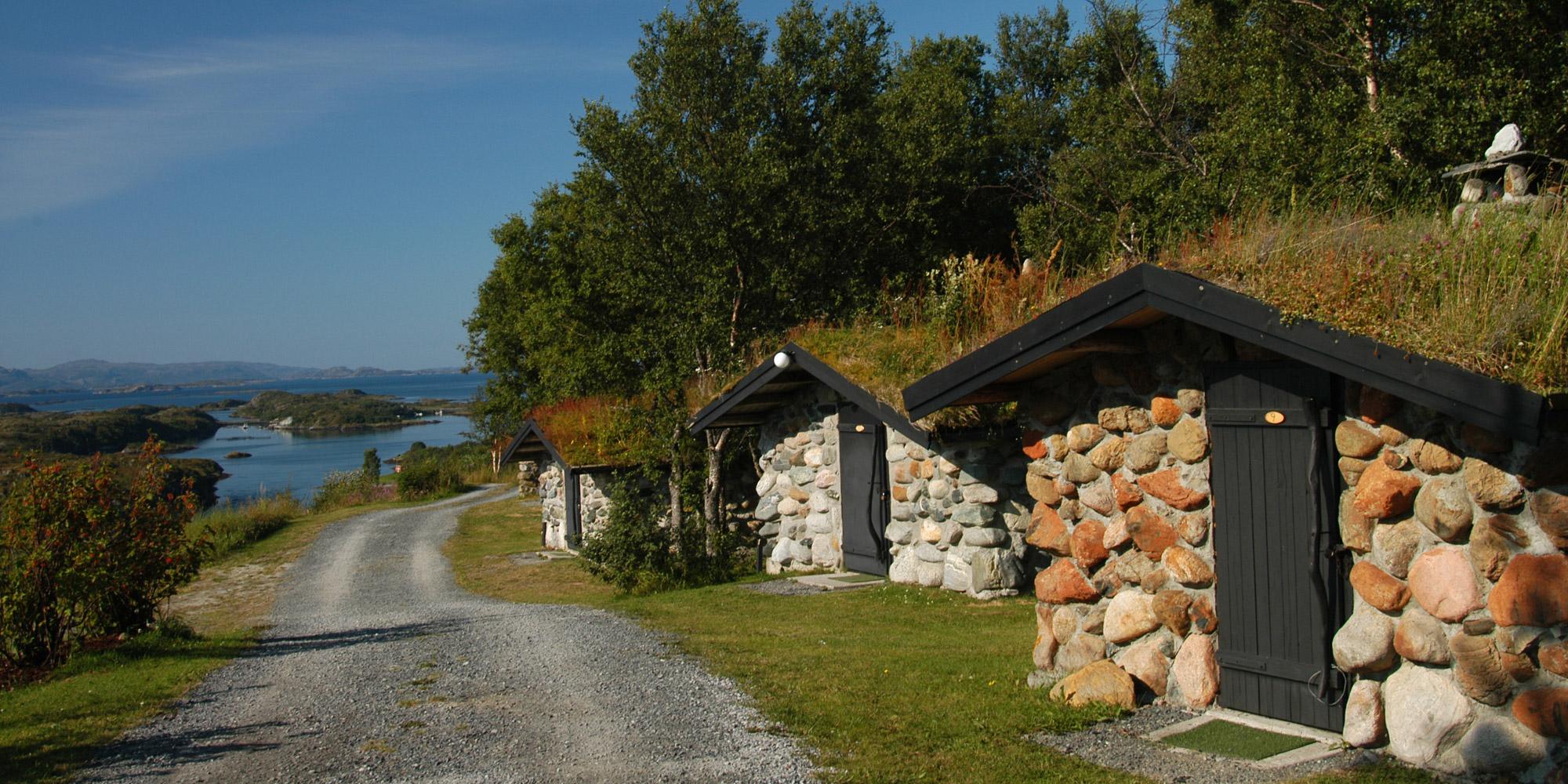 Steinhyttene ved Leka Motell og camping